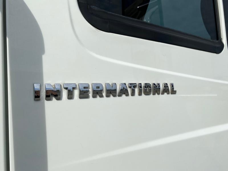 International 4300 2003 price $38,500