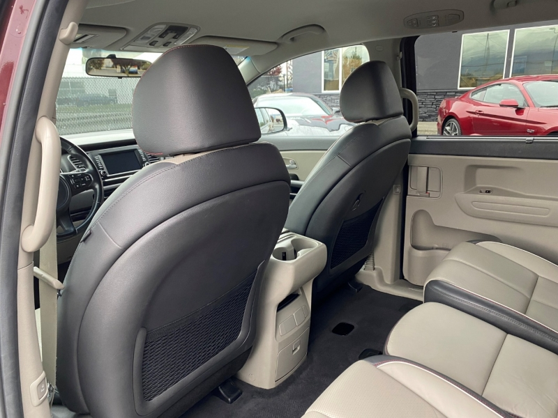 Kia Sedona 2017 price $24,950