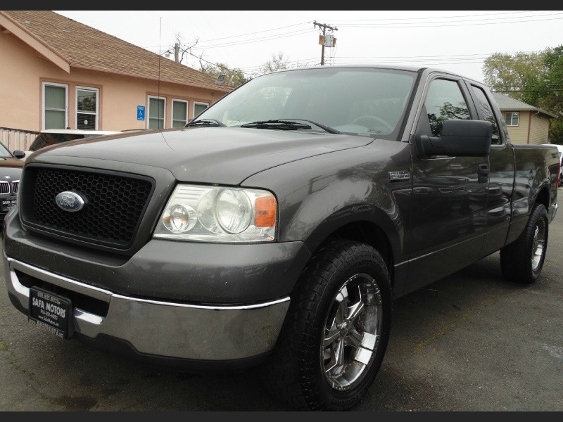 Ford F-150 2006 price $6,995