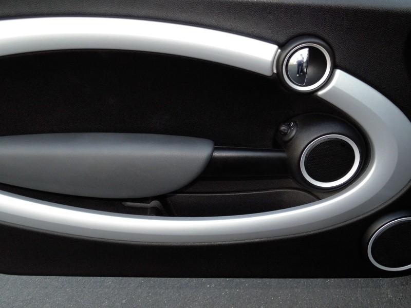 Mini Cooper S Hardtop 2009 price $6,995