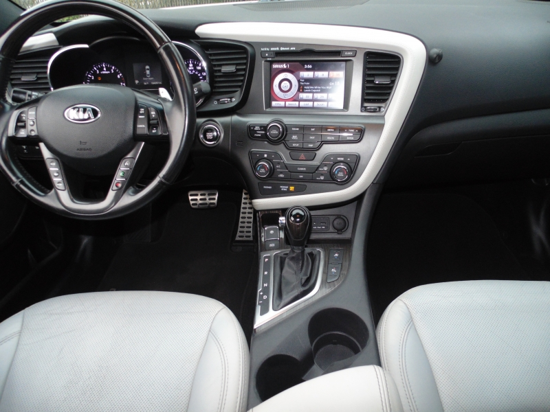 Kia Optima 2013 price $11,995