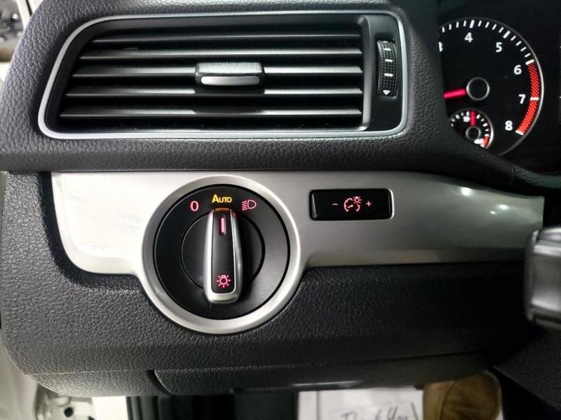 Volkswagen Passat 2013 price $8,750