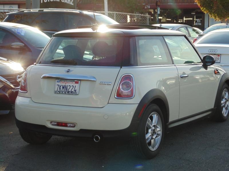 Mini Cooper Hardtop 2012 price $8,495