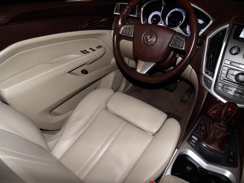 Cadillac SRX AWD Luxury Collection 2010 price $10,755