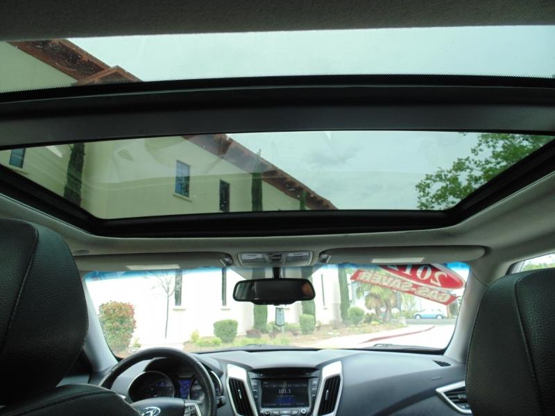 Hyundai Veloster 2012 price $8,350