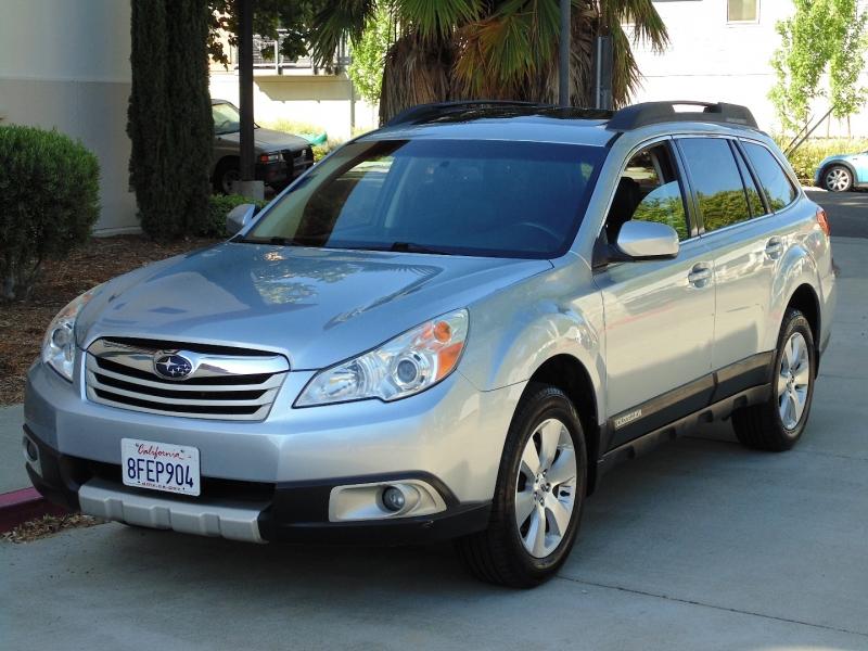 Subaru Outback Limited 2012 price $9,875