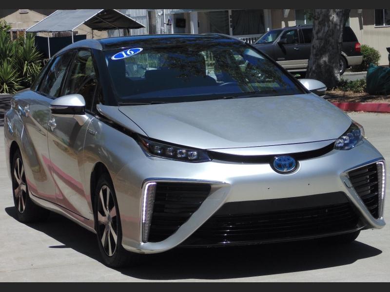 Toyota Mirai H-Cell w/Electric Motor 2016 price $10,995