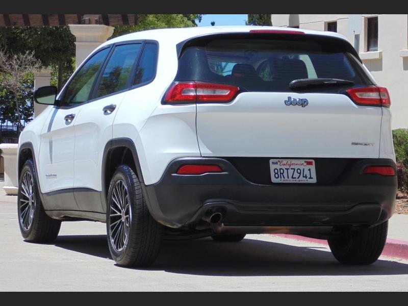 Jeep Cherokee 2017 price $13,488