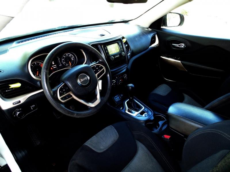 Jeep Cherokee 2017 price $12,999