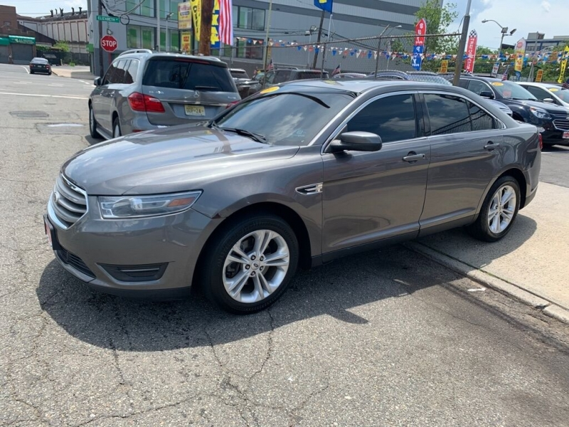 Ford Taurus 2013 price $9,950