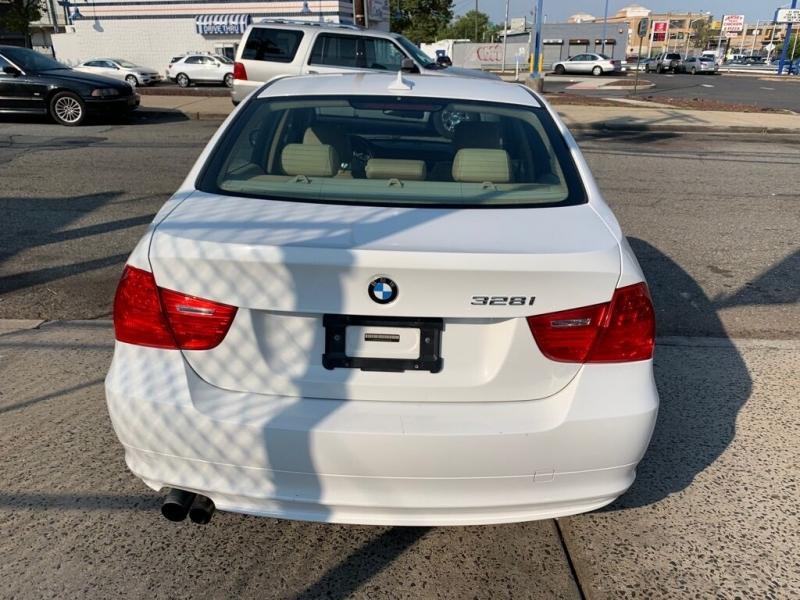 BMW 3 Series 2011 price $8,900