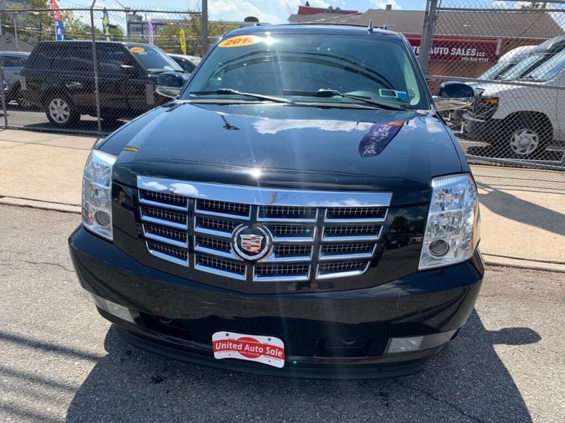 Cadillac Escalade 2010 price $14,900
