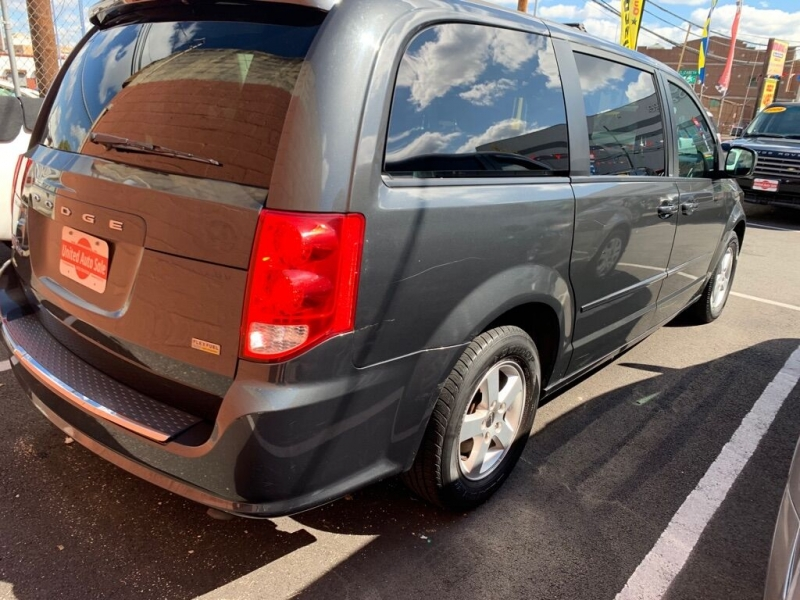 Dodge Grand Caravan 2012 price $8,900