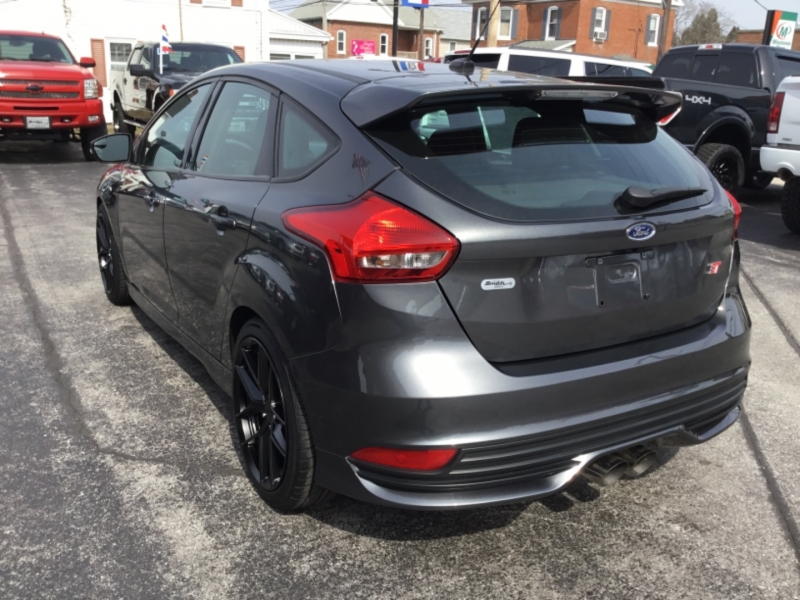 Ford Focus 2017 price $19,995