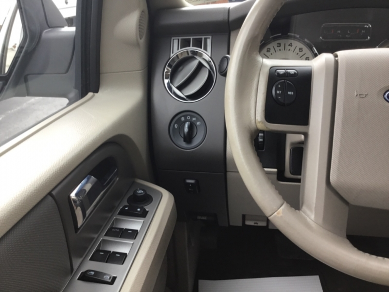 Ford Expedition 2010 price $15,995
