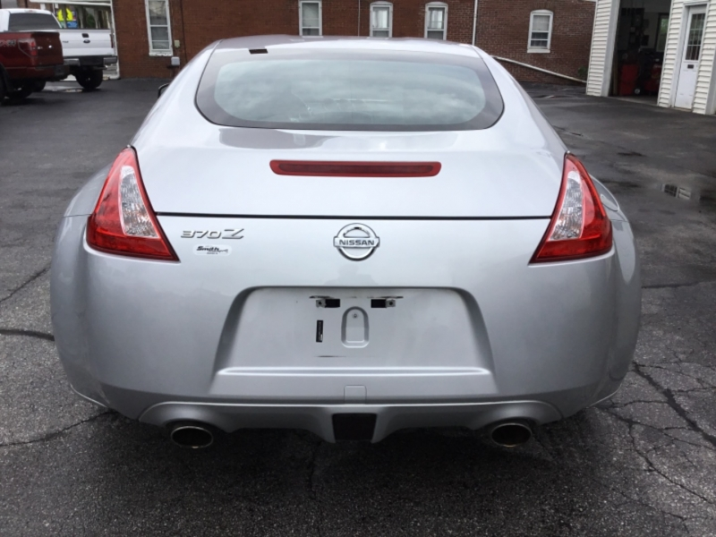 Nissan 370Z 2009 price $17,995