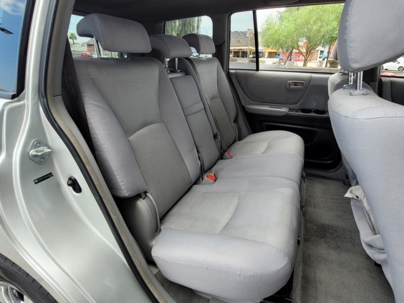 Toyota Highlander 2005 price $4,750