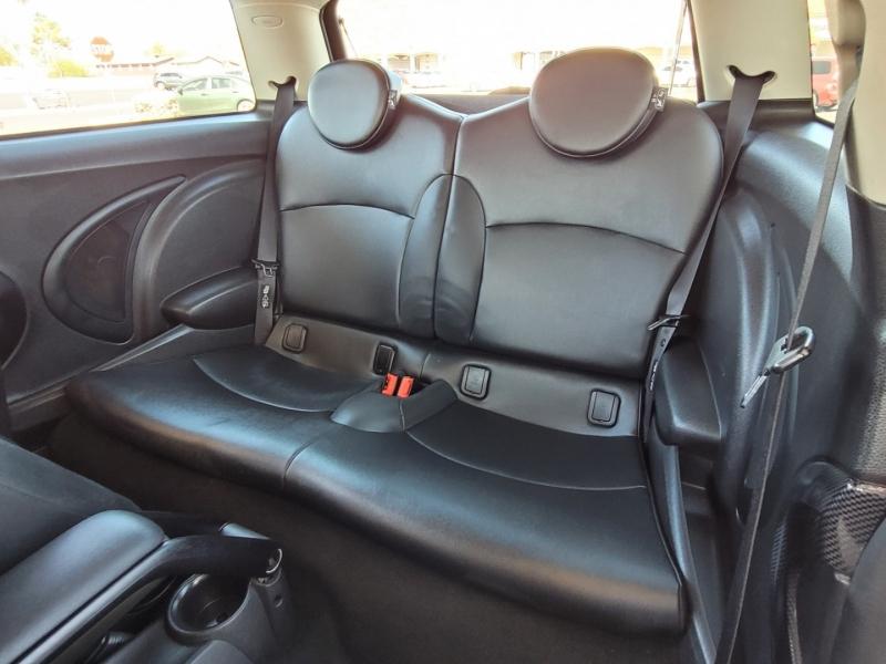 Mini Cooper Hardtop 2011 price $7,950