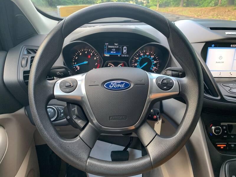Ford Escape 2016 price $9,997