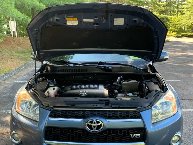 Toyota RAV4 2009 price $7,997