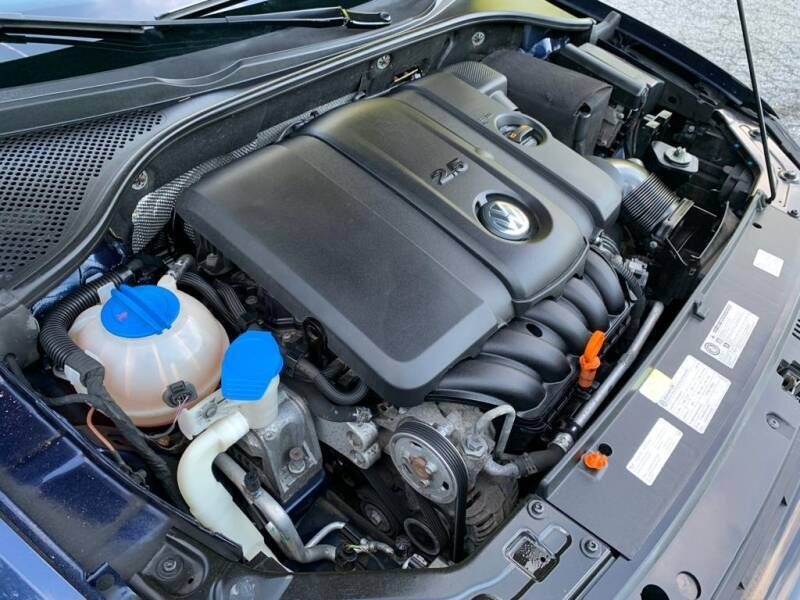 Volkswagen Passat 2013 price $6,497
