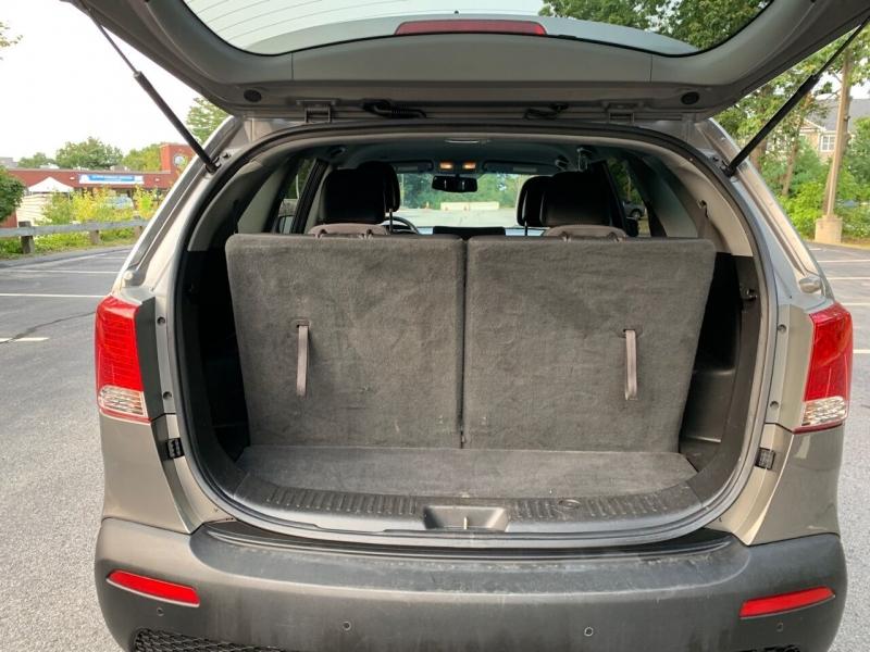 Kia Sorento 2011 price $7,997