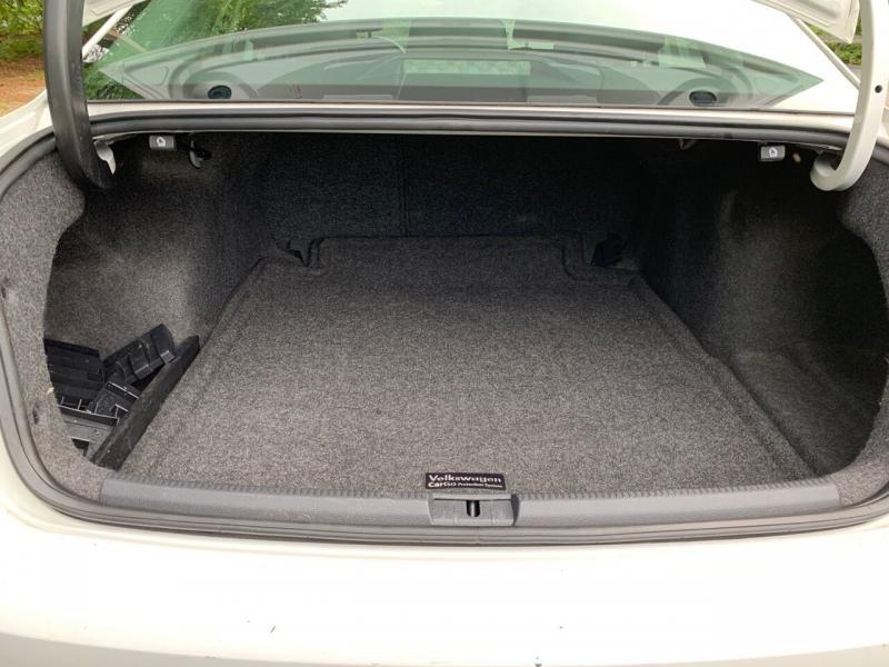 Volkswagen Passat 2012 price $7,997