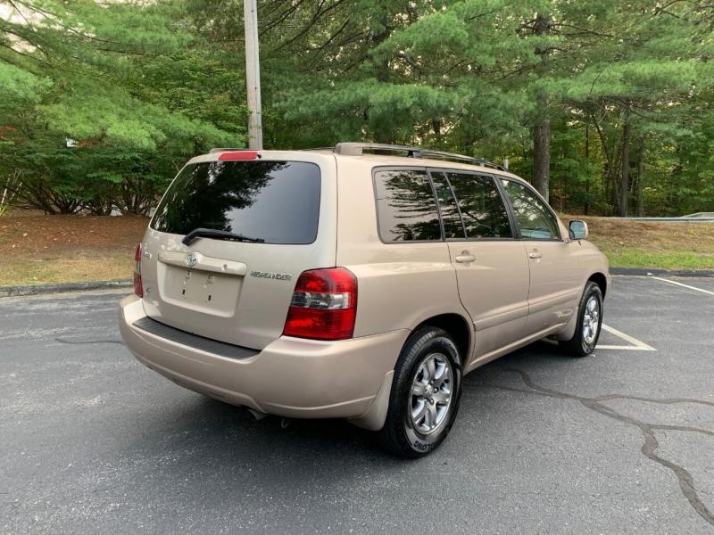 Toyota Highlander 2005 price $5,497
