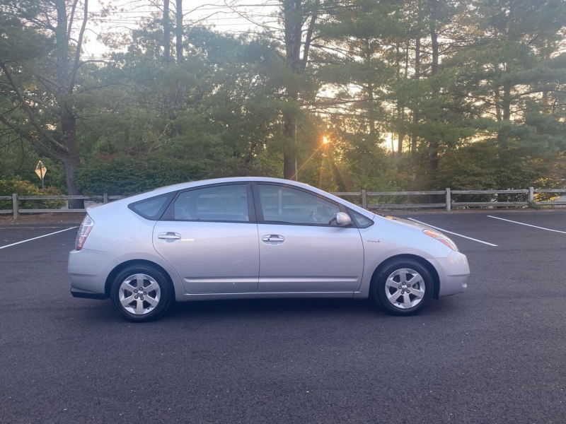 Toyota Prius 2006 price $6,997