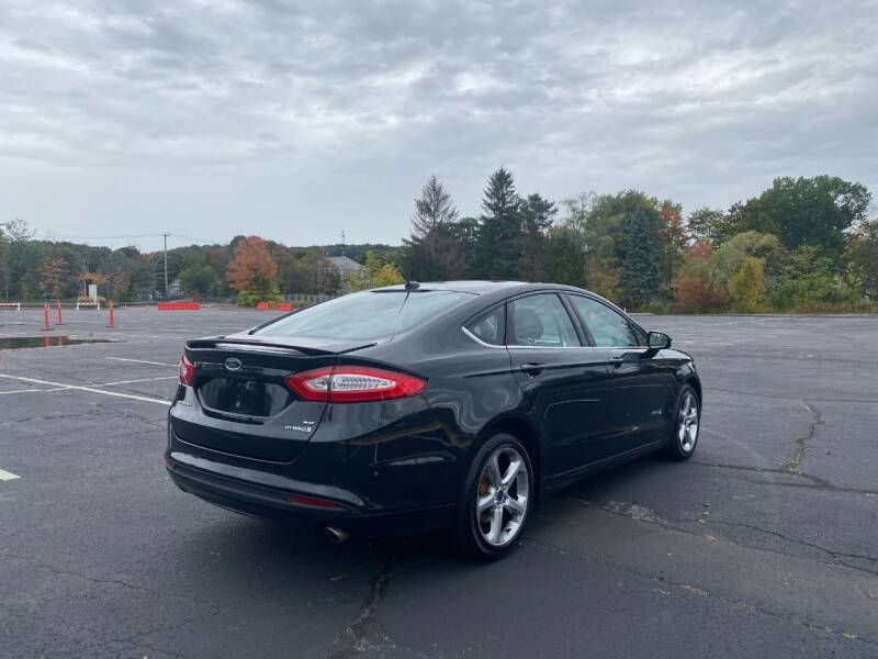 Ford Fusion Hybrid 2014 price $8,497