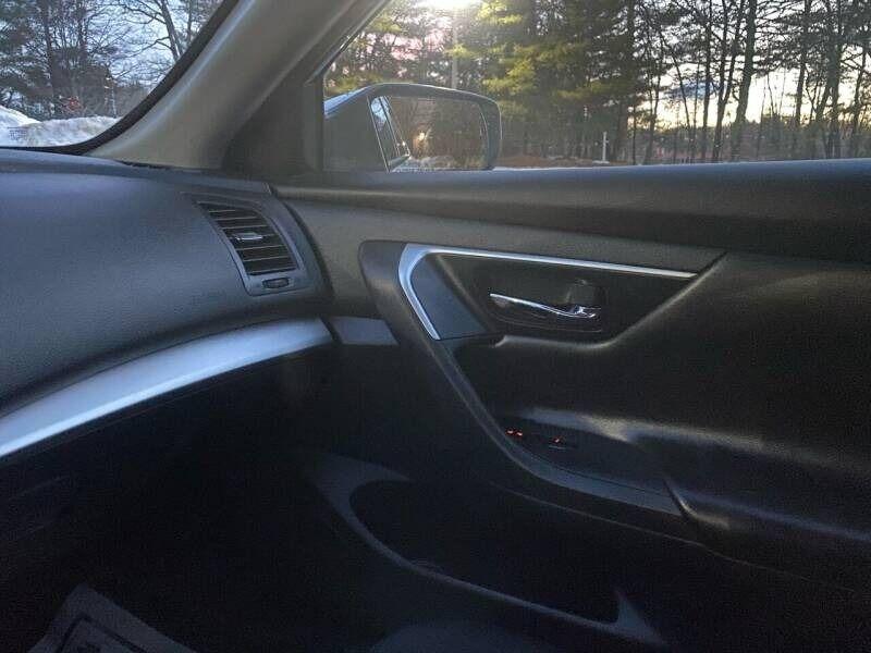 Nissan Altima 2017 price $10,997