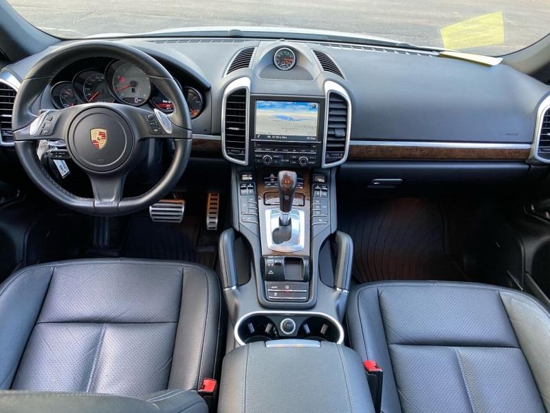 Porsche Cayenne 2014 price $19,900