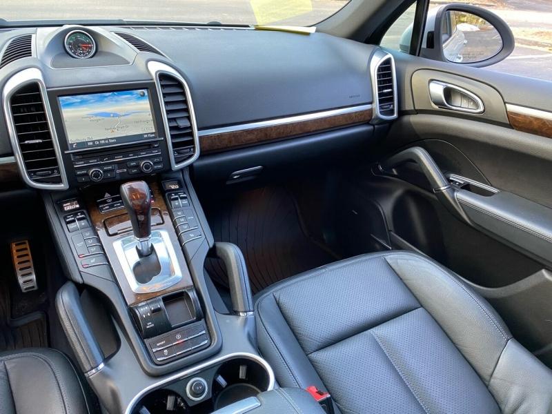 Porsche Cayenne 2014 price $18,999
