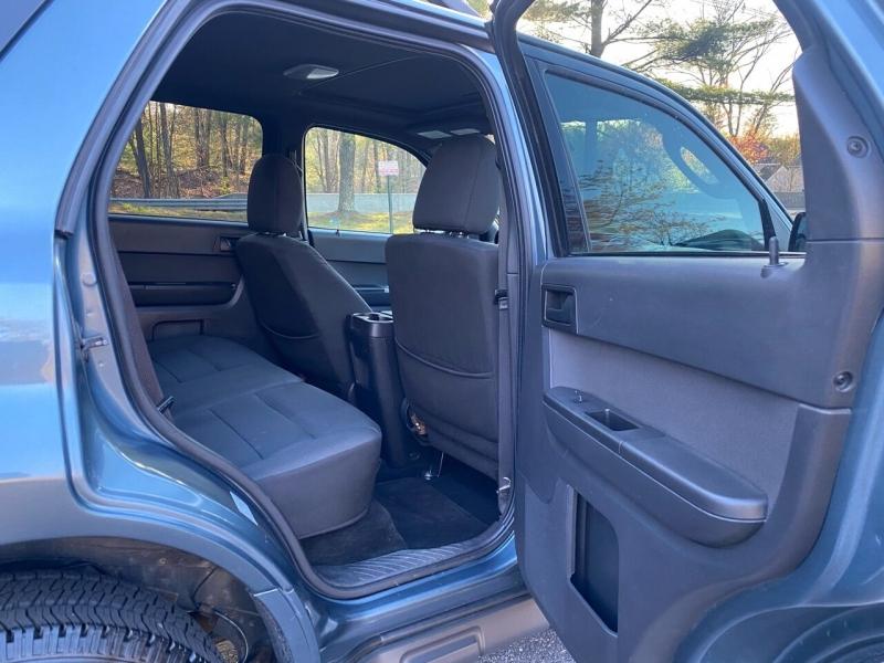 Ford Escape 2012 price $7,497