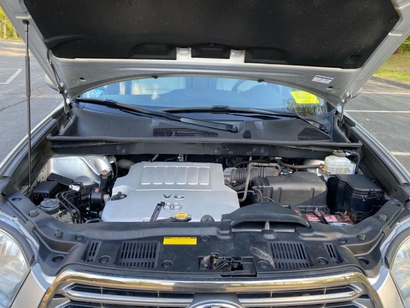 Toyota Highlander 2008 price $10,697