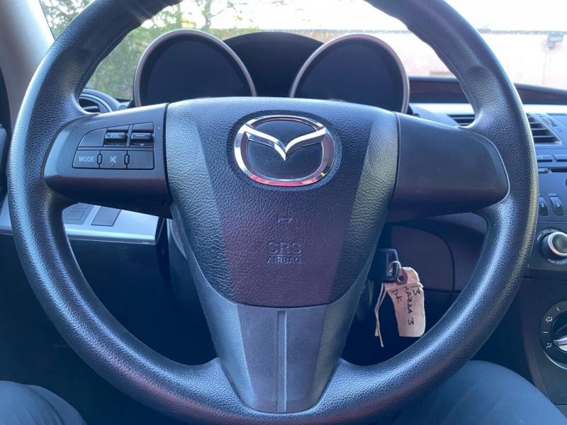 Mazda MAZDA3 2013 price $9,497
