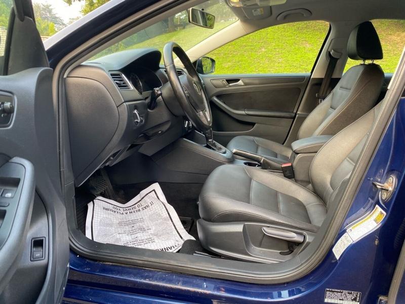 Volkswagen Jetta 2012 price $5,997
