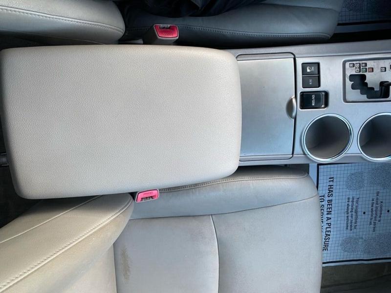 Toyota Highlander 2008 price $9,997