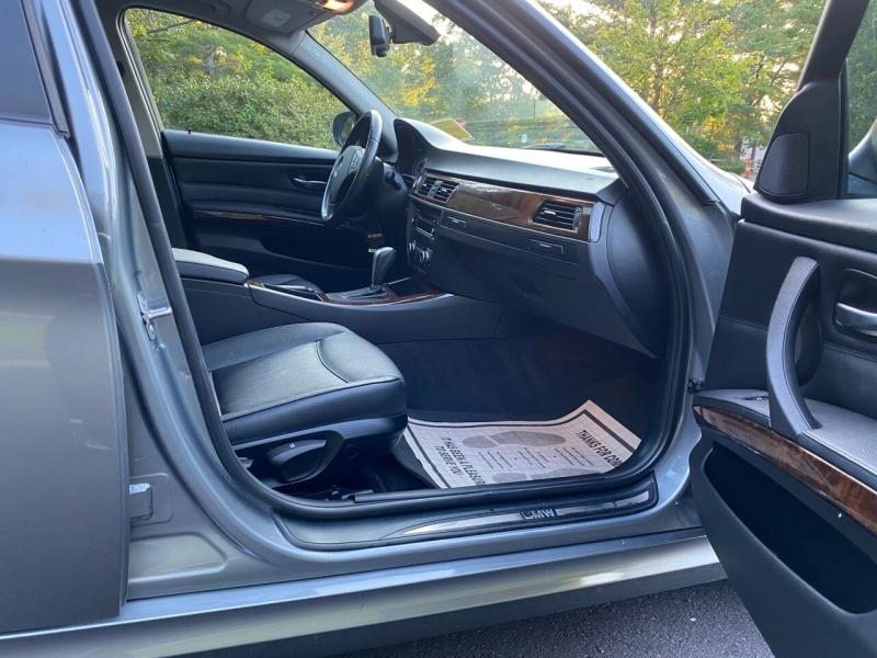 BMW 3 Series 2011 price $8,997