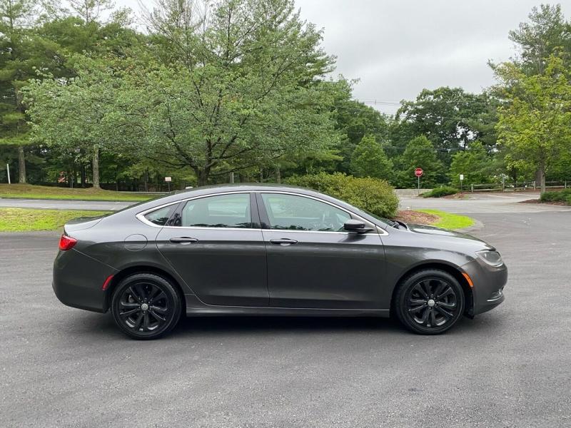 Chrysler 200 2015 price $8,997