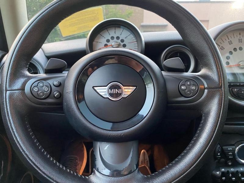 MINI Cooper Hardtop 2012 price $8,997