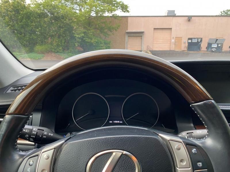 Lexus ES 350 2013 price $13,997