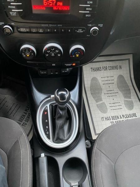 Kia Soul 2015 price $8,997