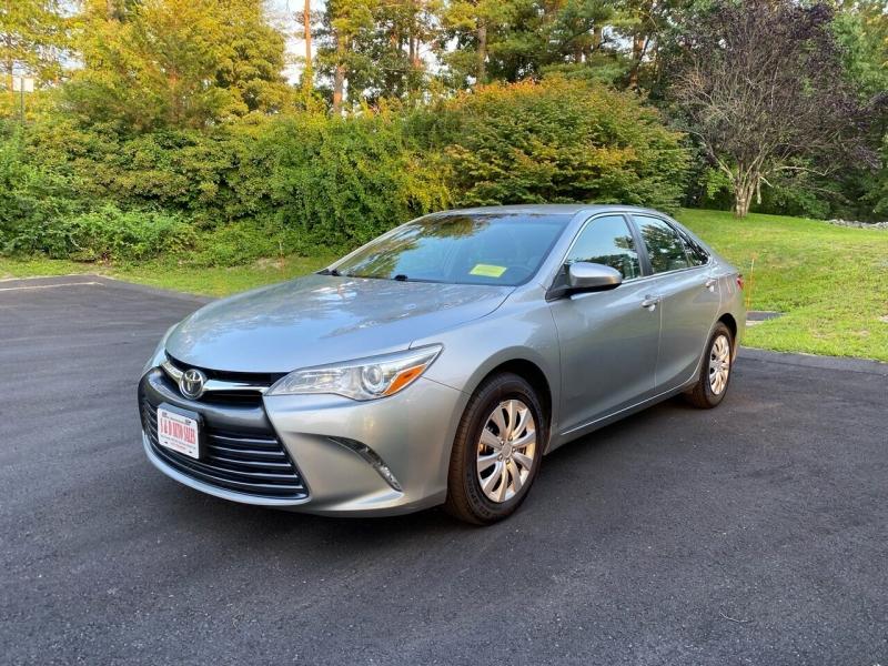 Toyota Camry 2015 price $12,997