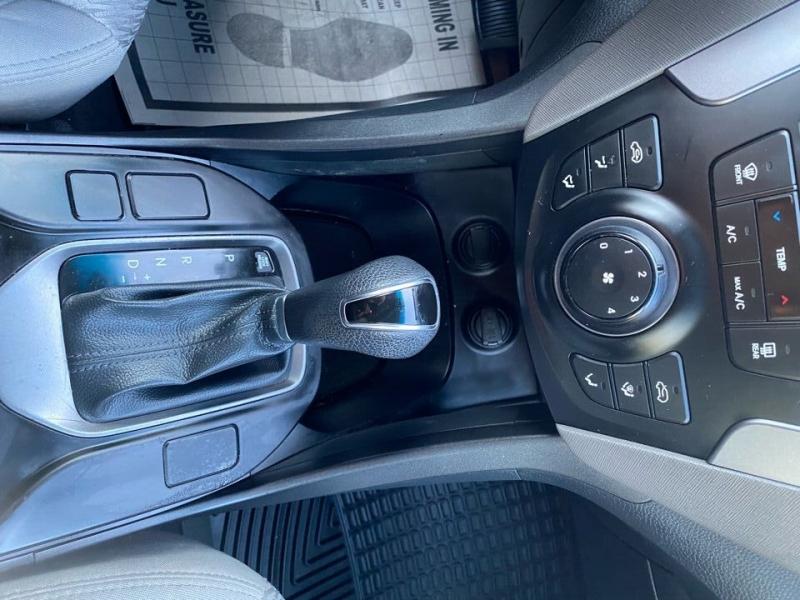 Hyundai Santa Fe Sport 2014 price $11,497