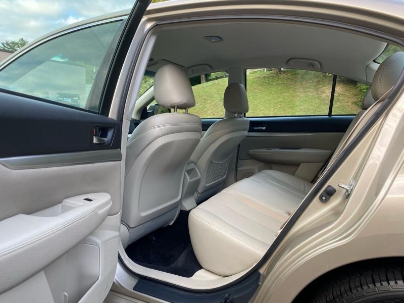 Subaru Legacy 2010 price $10,497
