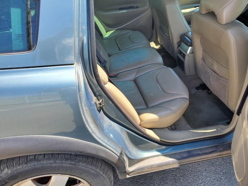 Volvo V70 2003 price $3,995