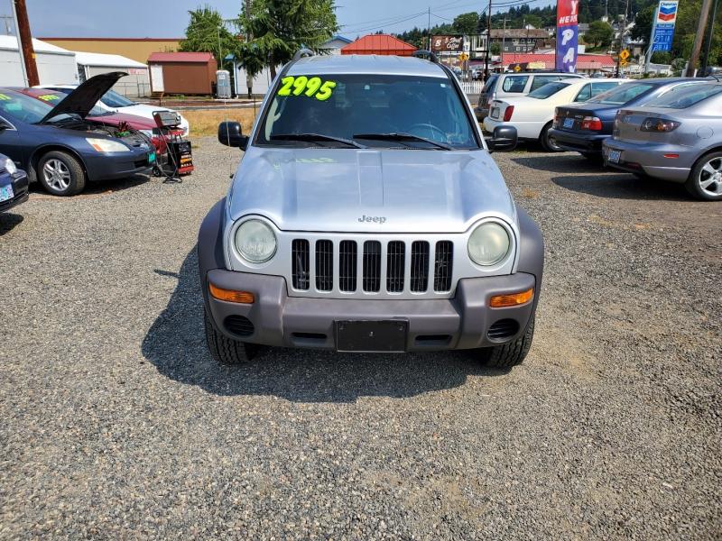 Jeep Liberty 2004 price $2,995