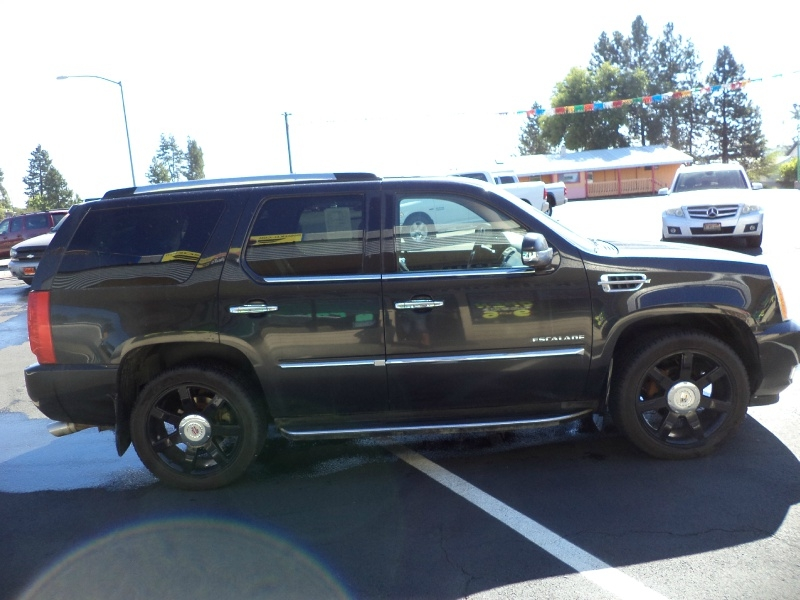Cadillac Escalade 2012 price $13,995