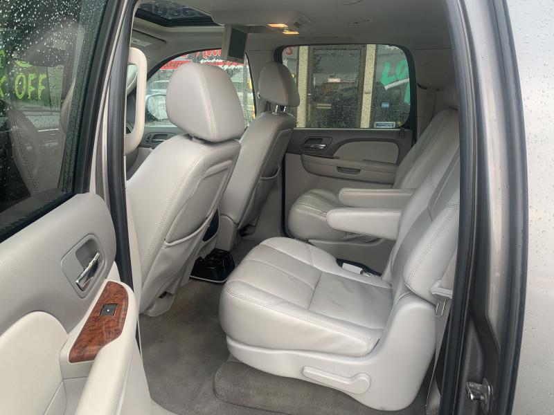 Chevrolet Suburban 2007 price $8,800